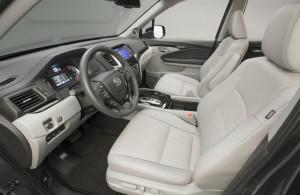 фото салона новой Хонда Пилот  05
