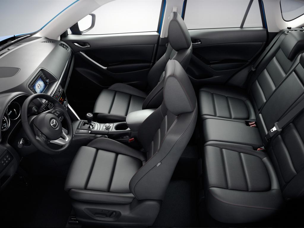 Салона Mazda CX-5 в чёрном цвете