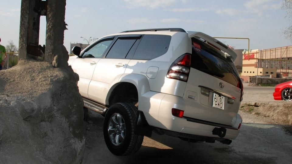 При необходимости автомобиль способен преодолевать сложные участки дороги без ущерба для ходовой части.