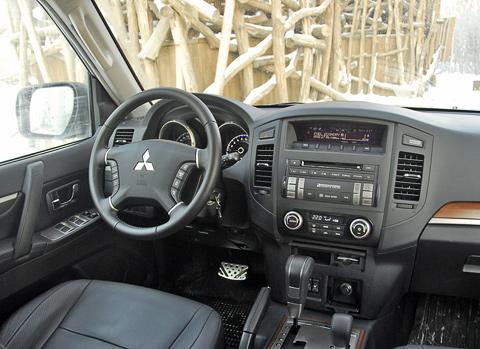 Внутри автомобиля уютно и, самое главное, тише, чем в третьей генерации .