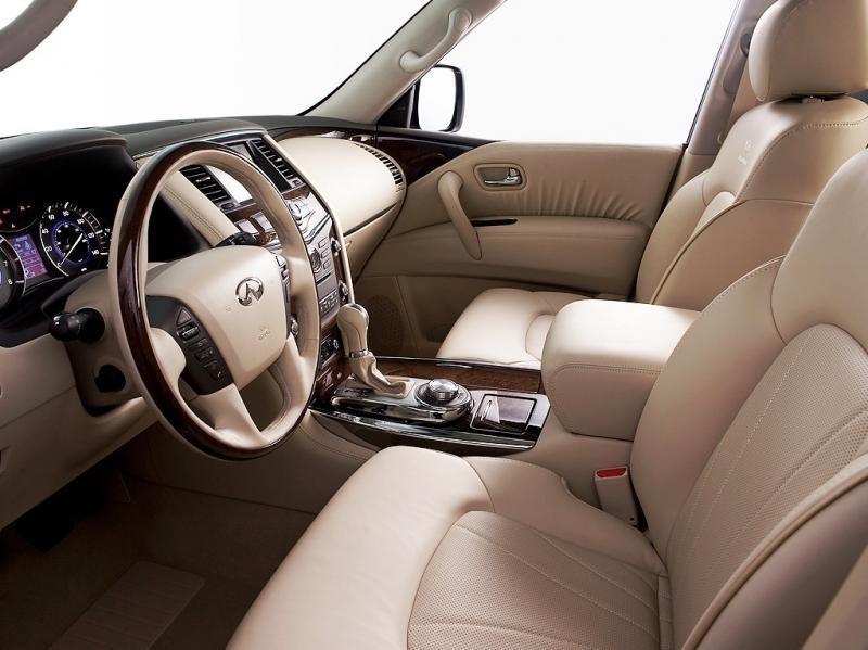 Внутри автомобиля установлено все, что необходимо для удобства водителя и пассажиров