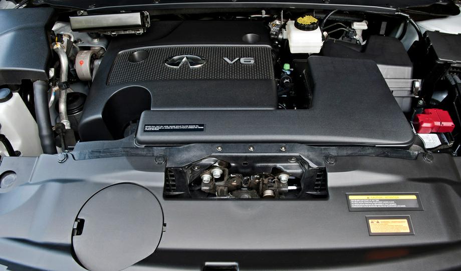 В авто установлен сравнительно мощный двигатель