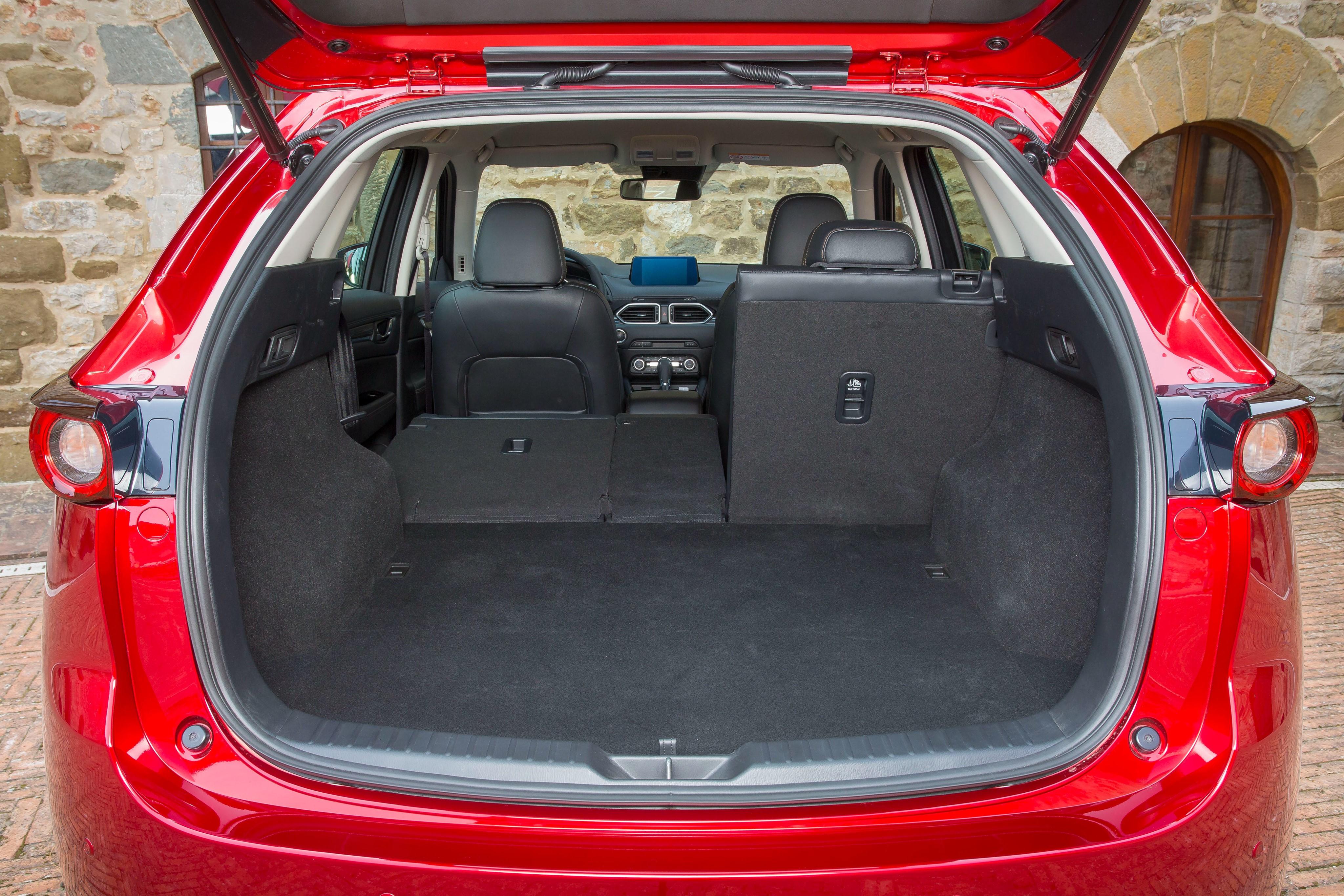 Багажный отсек автомобиля