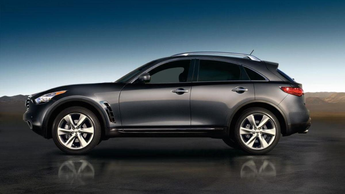 Рис. 1. Автомобиль FX 50 2012-го года.