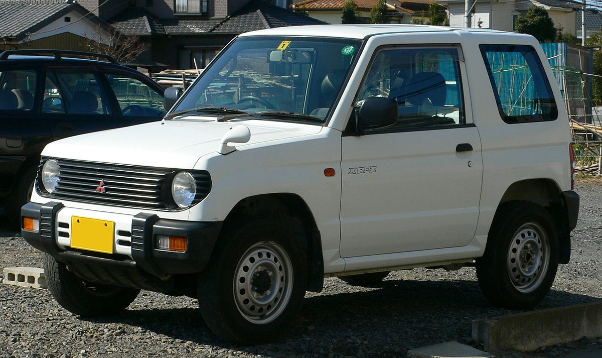 Первое поколение модели (1994-1998)