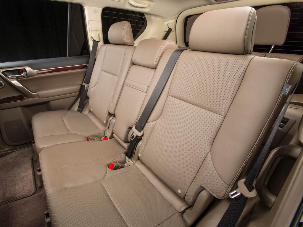 Рис. 3. Интерьер Lexus GX 460