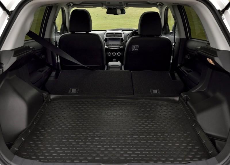 Багажник автомобиля не отличается большими размерами