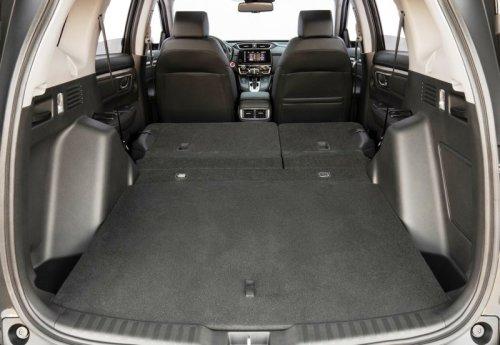 Объем багажника можно увеличить, сложив задний ряд сидений