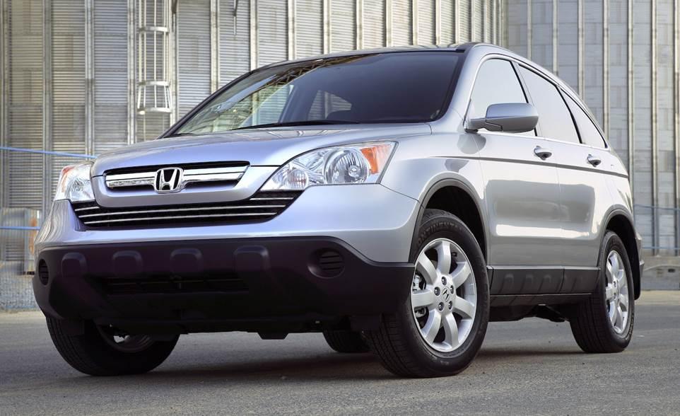 Модель имеет большой дорожный просвет, как для автомобиля из сегмента кроссоверов